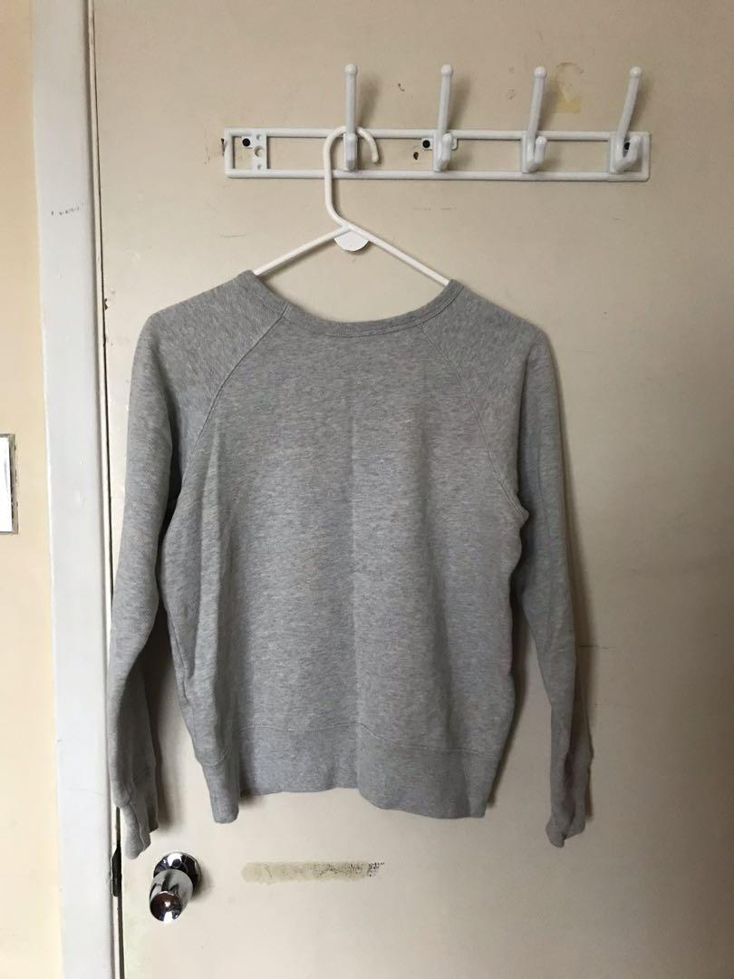 Aritzia Wilfred Free Embroidered Floral Crew Neck Sweater