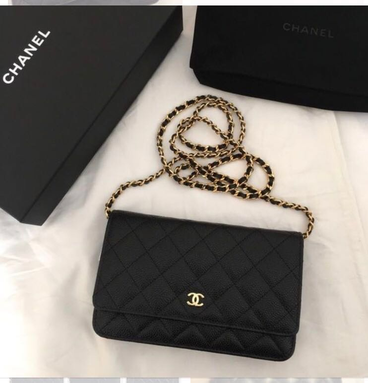 d4a2b650d500 Authentic Chanel Classic Wallet On Chain in Black Caviar, Women's ...