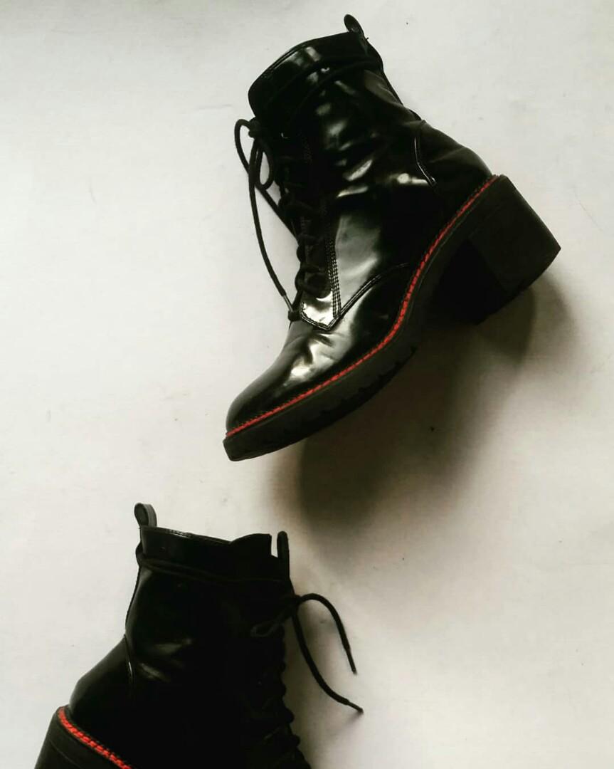 a732ab77881d Bershka Chunky Boots
