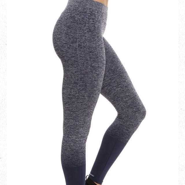 3d48bd3800cf3 Brand New Size M Seamless Compression Ombre Legging / Navy Heather, Women's  Fashion, Clothes, Pants, Jeans & Shorts on Carousell