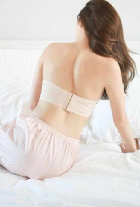 Carrislabelle Seamless Hooked Tube Bra in Nude