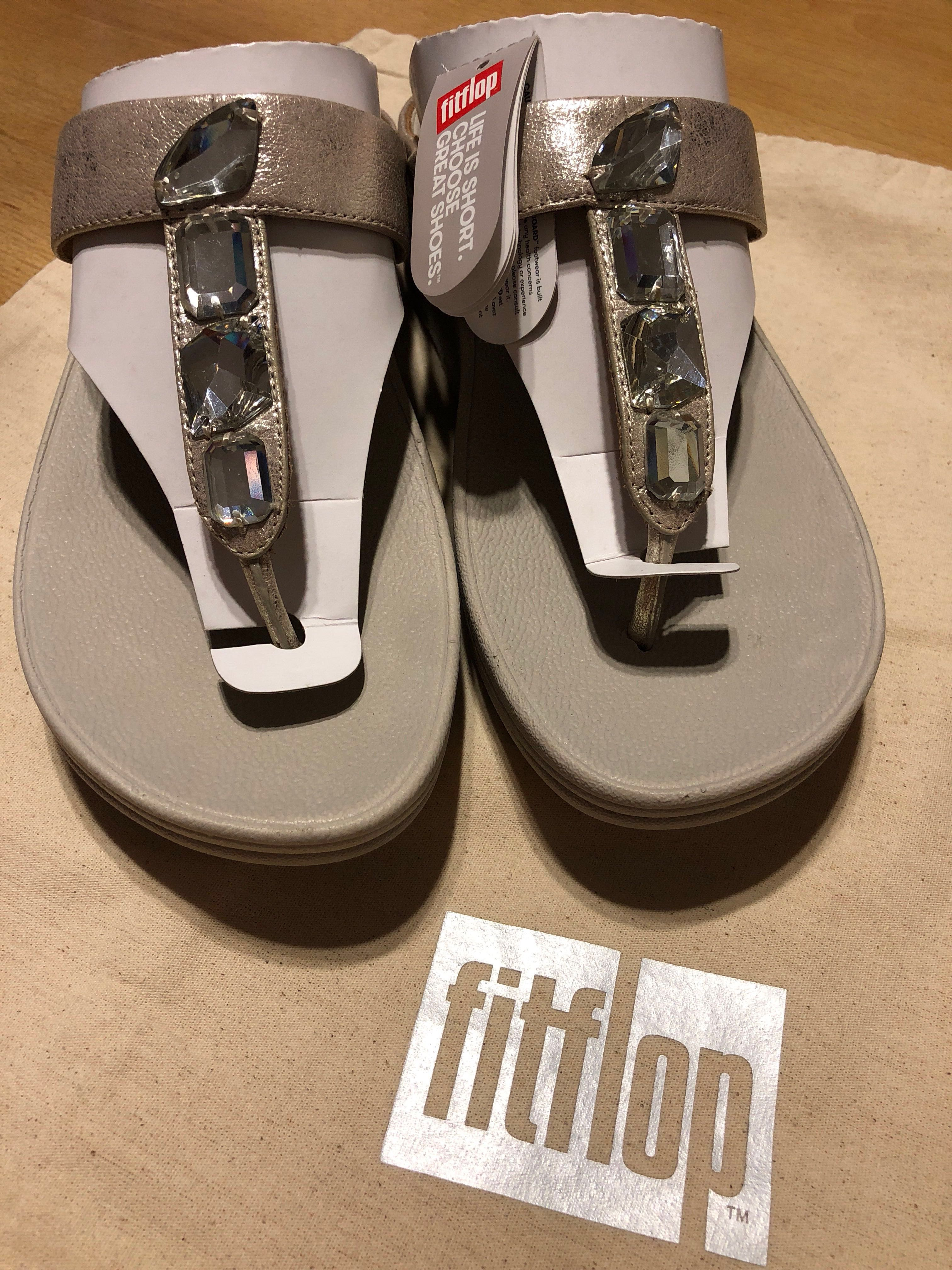 2f2e22a59aa1 FITFLOP ROKA™ TOE THONG SANDALS  90