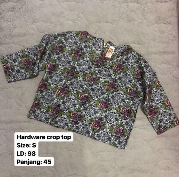 Hardware crop top
