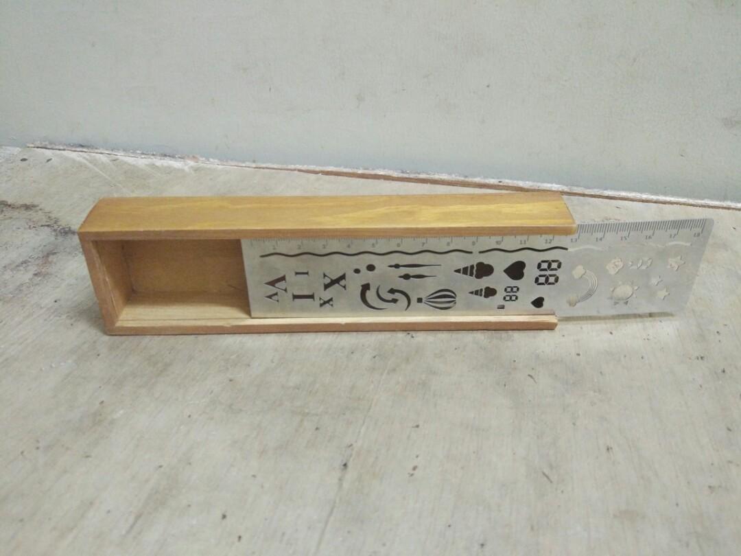 Kotak Pensil (Pencil Case)