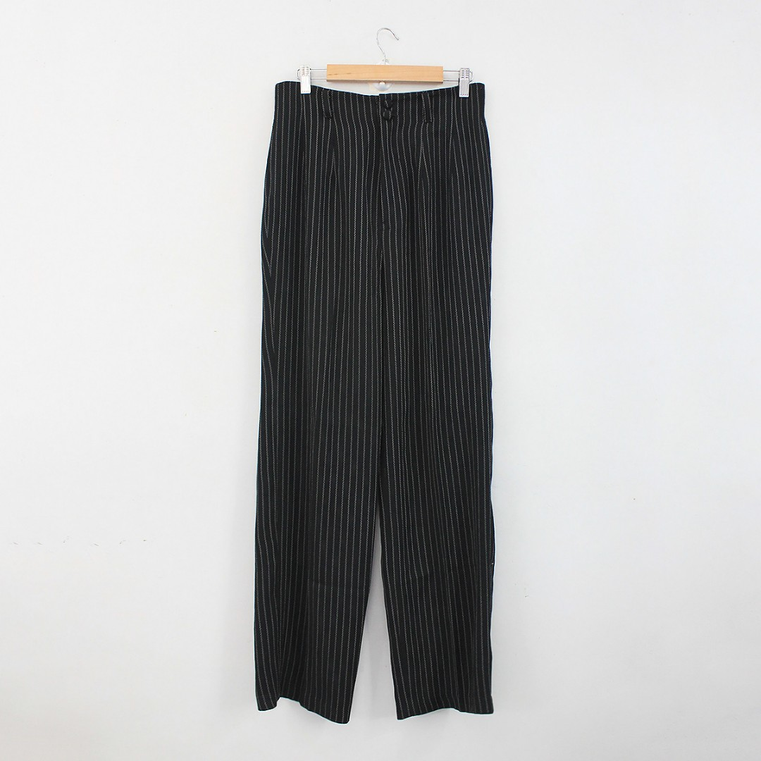 acb37a1053af M-L) Vintage High-Waisted Black Striped Relaxed Fit Pants