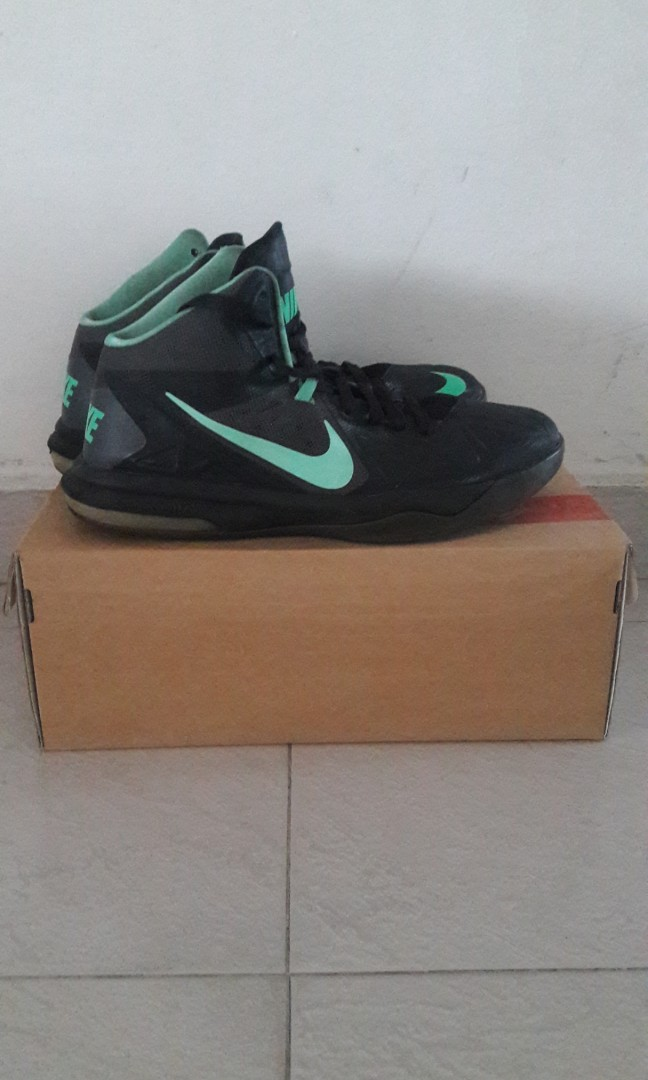 5ec4b5b7d78 Nike Basketball shoes