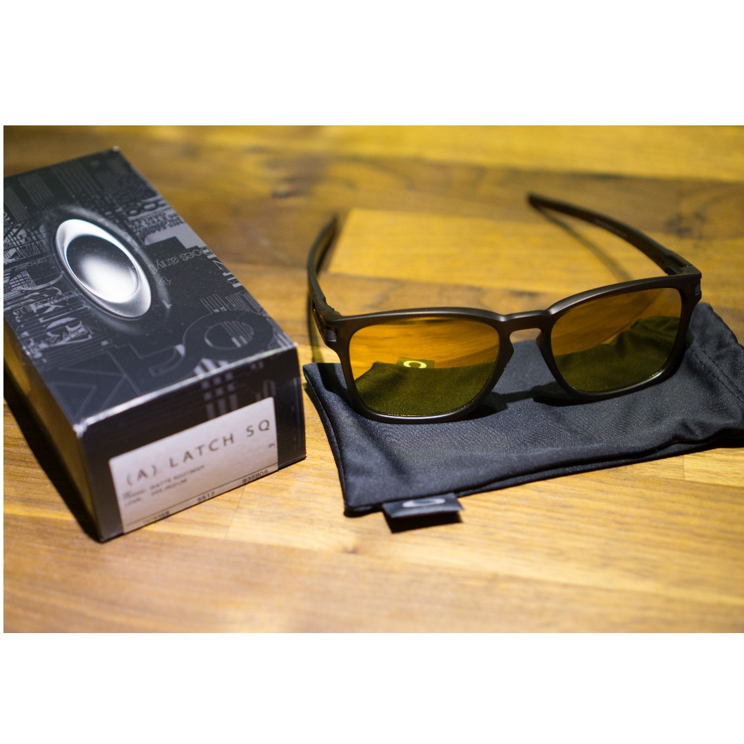 5137ca43224 Oakley Latch Square (Asia Fit) Sunglasses • 24K Iridium Lens • Matte ...