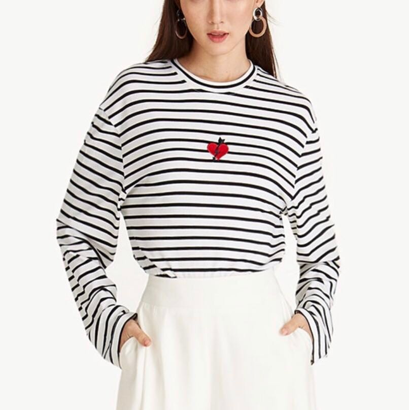 2a0805e12 Pomelo fashion Striped heart patch long sleeve top, Women's Fashion, Clothes,  Tops on Carousell