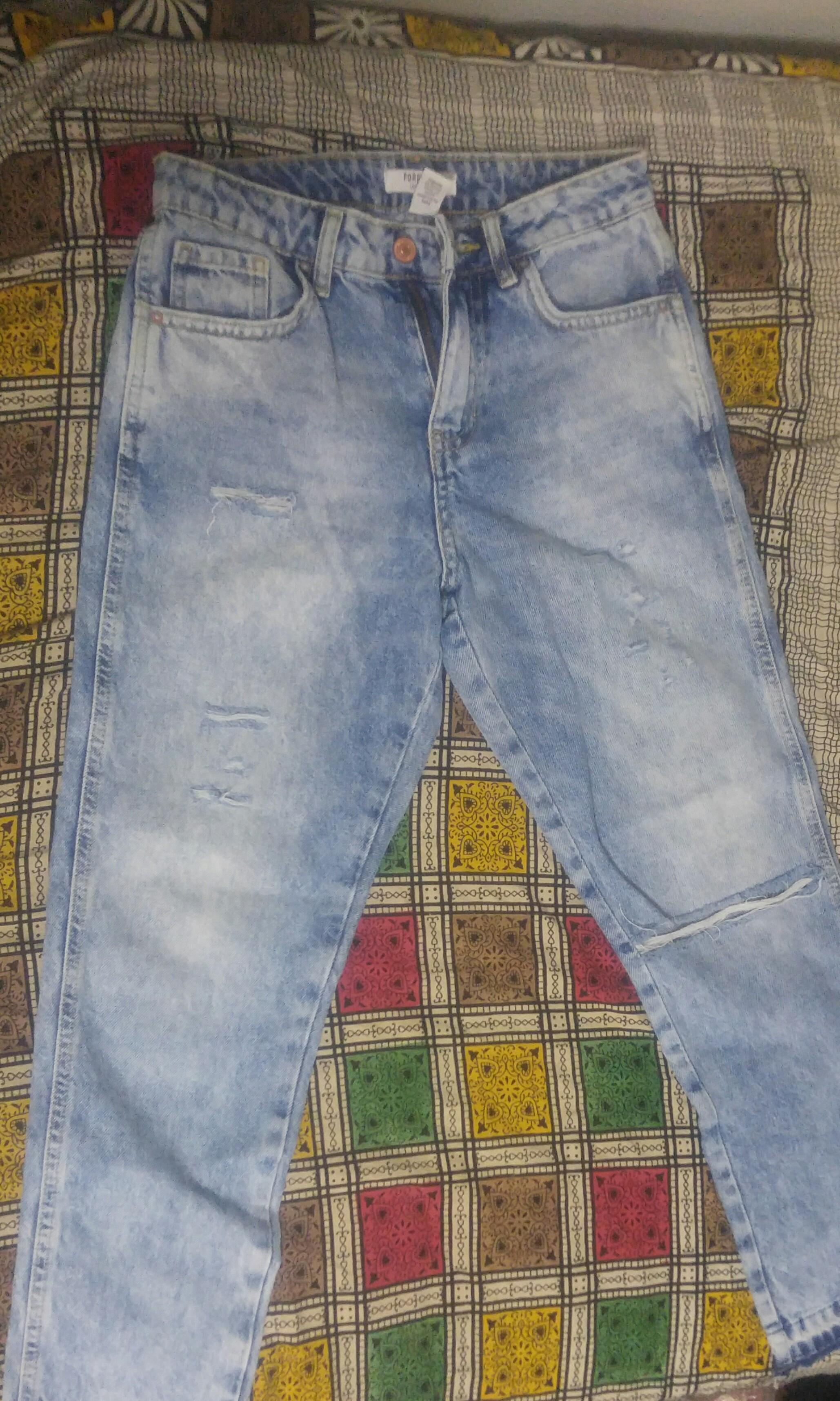 Ripped boyfriend jeans from forever21