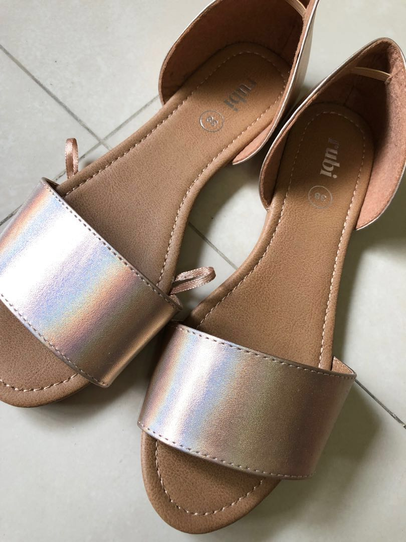 20a097b4589 Home · Women s Fashion · Shoes · Flats   Sandals. photo photo ...