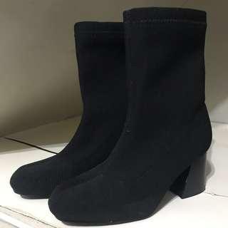顯瘦顯腿長 粗根厚底襪靴