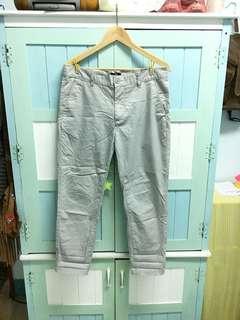 H&M米白9分褲 賣場一次購買兩件9折三件85折