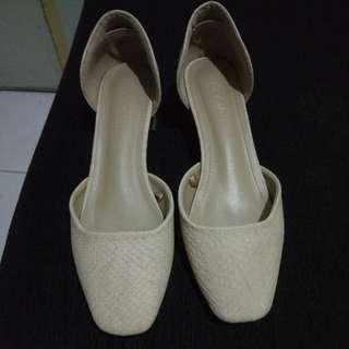 Parisian Shoes Sz 8