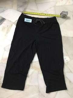 Alexia 3/4 pant size 18 no 9892 brand new
