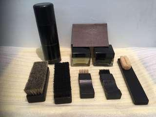 LOUIS VUITTON 皮鞋保養組鞋刷鞋油ㄧ組8件、正品