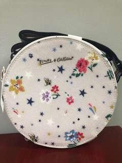 ⭐️CLEARANCE⭐️Cath Kidston x Fearne Circle Bag