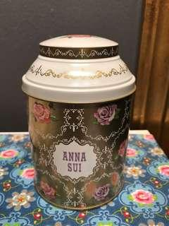 BN Anna sui metal container