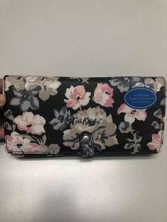 ⭐️CLEARANCE⭐️Cath Kidston Phone Wallet with Sling