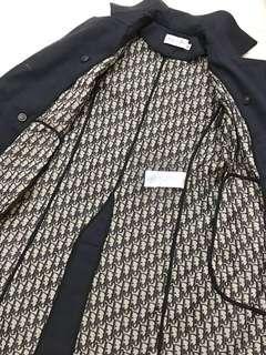 🚚 近全新! Christian Dior經典優雅大氣logo緹花織紋全內襯藏藍色雙排扣長版風衣(34碼)
