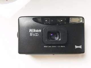 🚚 [稀有品]Nikon af600 28mm 定焦大光圈 底片相機 有寬景
