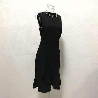 Side Ruffled Black Dress