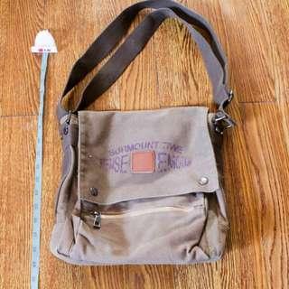 Unisex Sling / Messenger Bag
