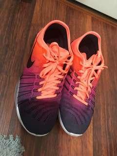 Nike freerun US 7