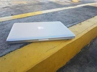 Macbook pro 2.5ghz ram4gb hdd500gb 13inch 2012