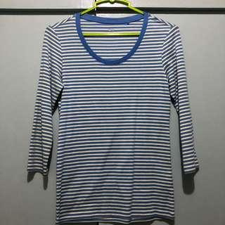 Striped blue Uniqlo top