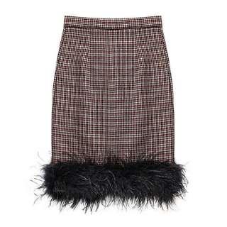 ⏳ Premium tweed and furrr trim combination pencil skirt