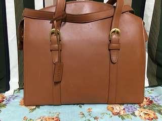 🚚 BALLY包
