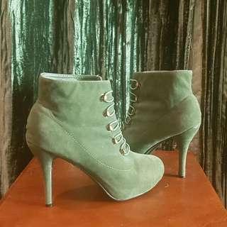 Because velvet never goes out of style - Green Velvet ankle boots. Size 9.
