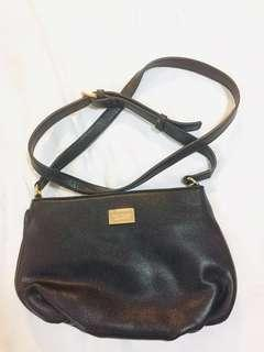 (REDUCED) Hush puppies Black Leather Sling bag #PreCNY60