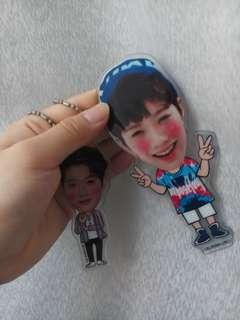 LAI GUAN LIN STANDEE AND KEYRRING