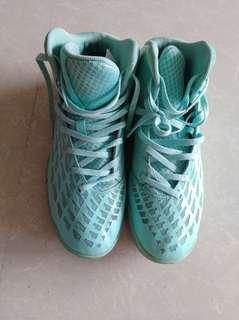 Li-Ning basketball shoes