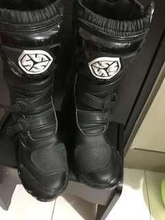 Scoyco racing boots