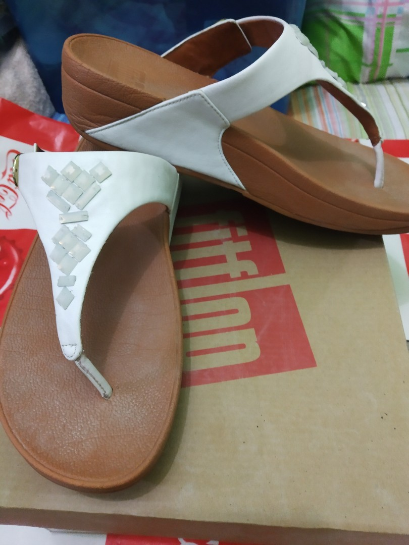 5d9b8f486 Super SALE! 100% authentic FITFLOP skinny toe thong sandals CYSTRAL ...