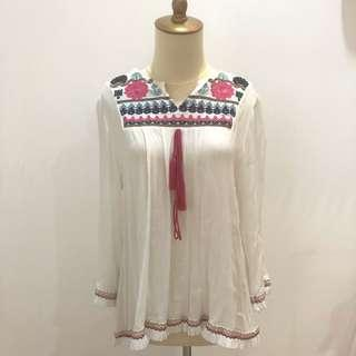 Flower Embroidery White Long Sleeve Blouse