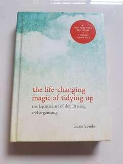 🚚 The Life-Changing Magic of Tidying Up : The Japanese Art of Decluttering and Organizing by Marie Konto