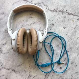 BOSE Quite Comfort Noise Cancelling Headphone