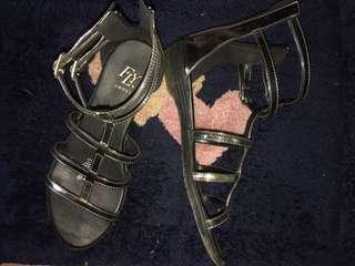 Fly gladiator sandal