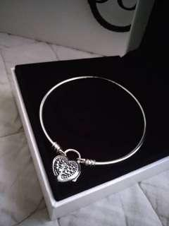 Pandora Bangle New with box