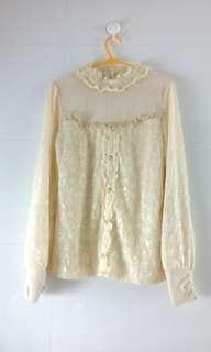 米色長袖玫瑰珍珠 微透上衣