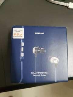 Samsung in-ear headphones Rectangle design