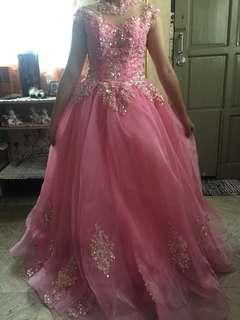 Gown for rent: Pink Gown