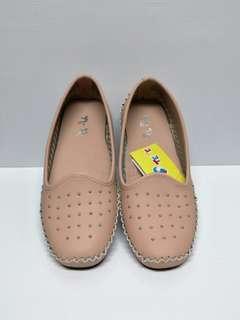 🚚 全新TE TE粉色鉚釘豆豆鞋22.5