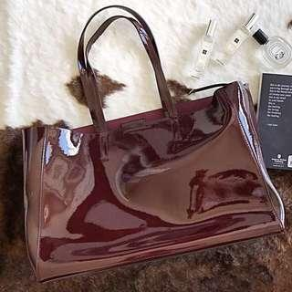 🍌BANANA REPUBLIC LEATHER TOTE 👜