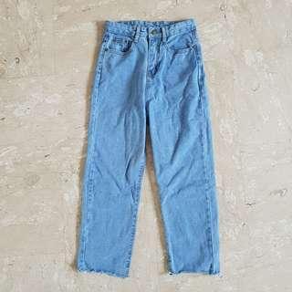 BNWOT Light Denim Boyfriend Jeans