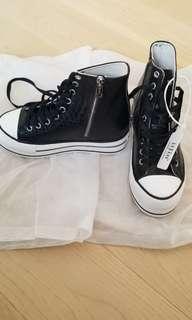 全新 iijin 內增高 三至四吋 真皮 黑蛇皮boots