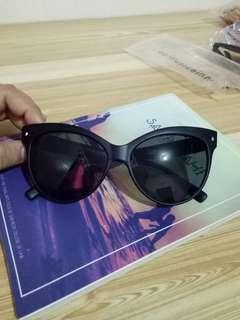 Sunnies studios Cat eye Sunglasses
